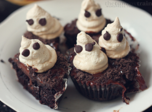Screen Shot 2013 09 07 at 1.45.48 AM 300x221 - Ghastly Cupcakes to wish you a Spooktastic Halloween!