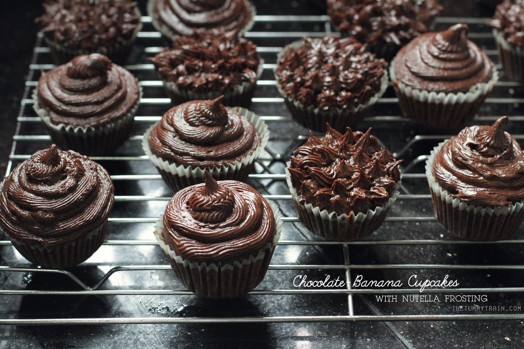 11148377113 ac58e7cdf0 b 1 - {Christmas Countdown 2013} Chocolate, Banana, and Nutella in a Cupcake + ways to frost cupcakes [VIDEO]