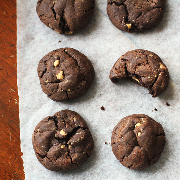 Candy Brownie Cookies - A spooky to sweet Halloween transformation with #loveSnR