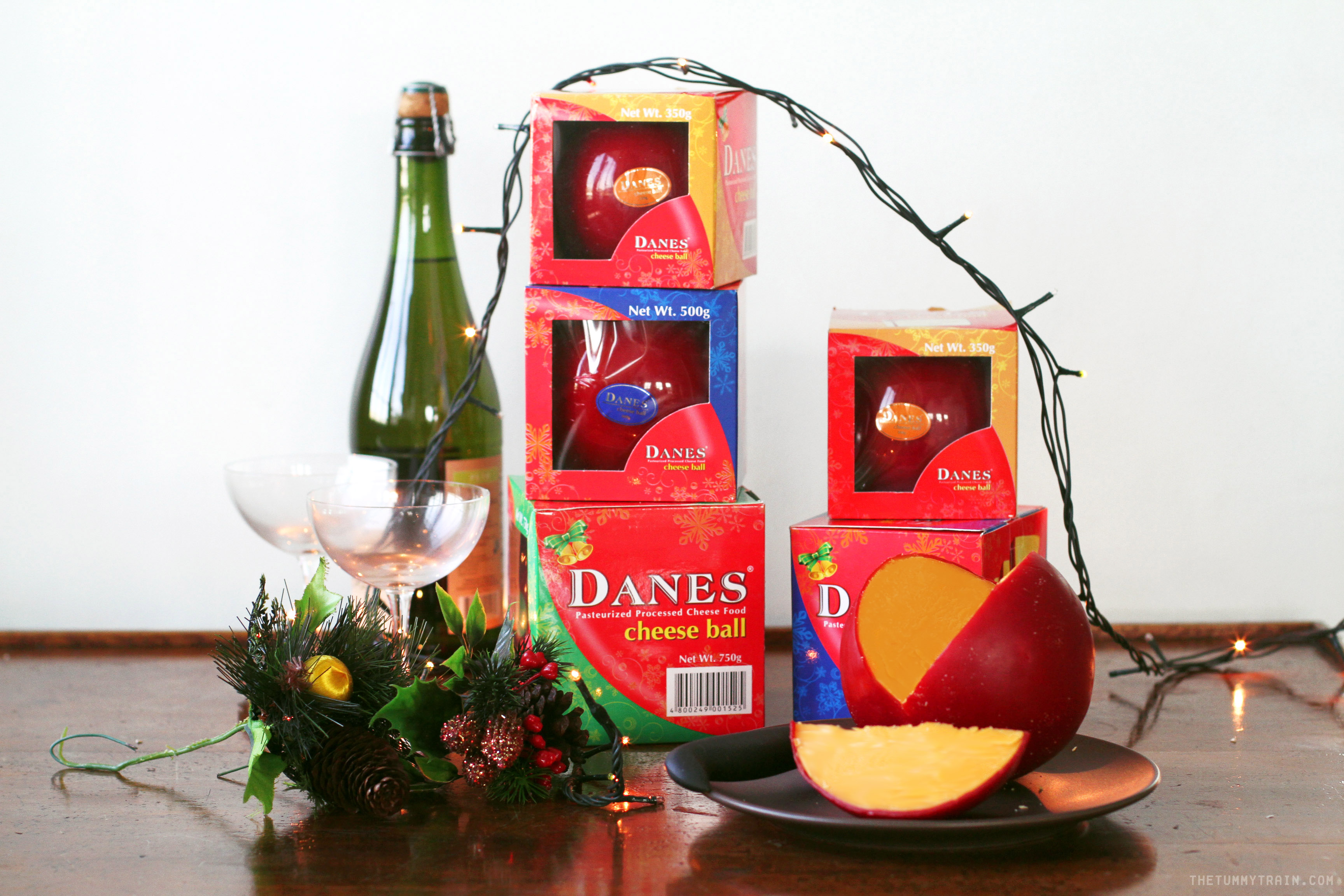 Danes Product Shot 6 - Have a sweet and savory Christmas with Danes Cheese Ball