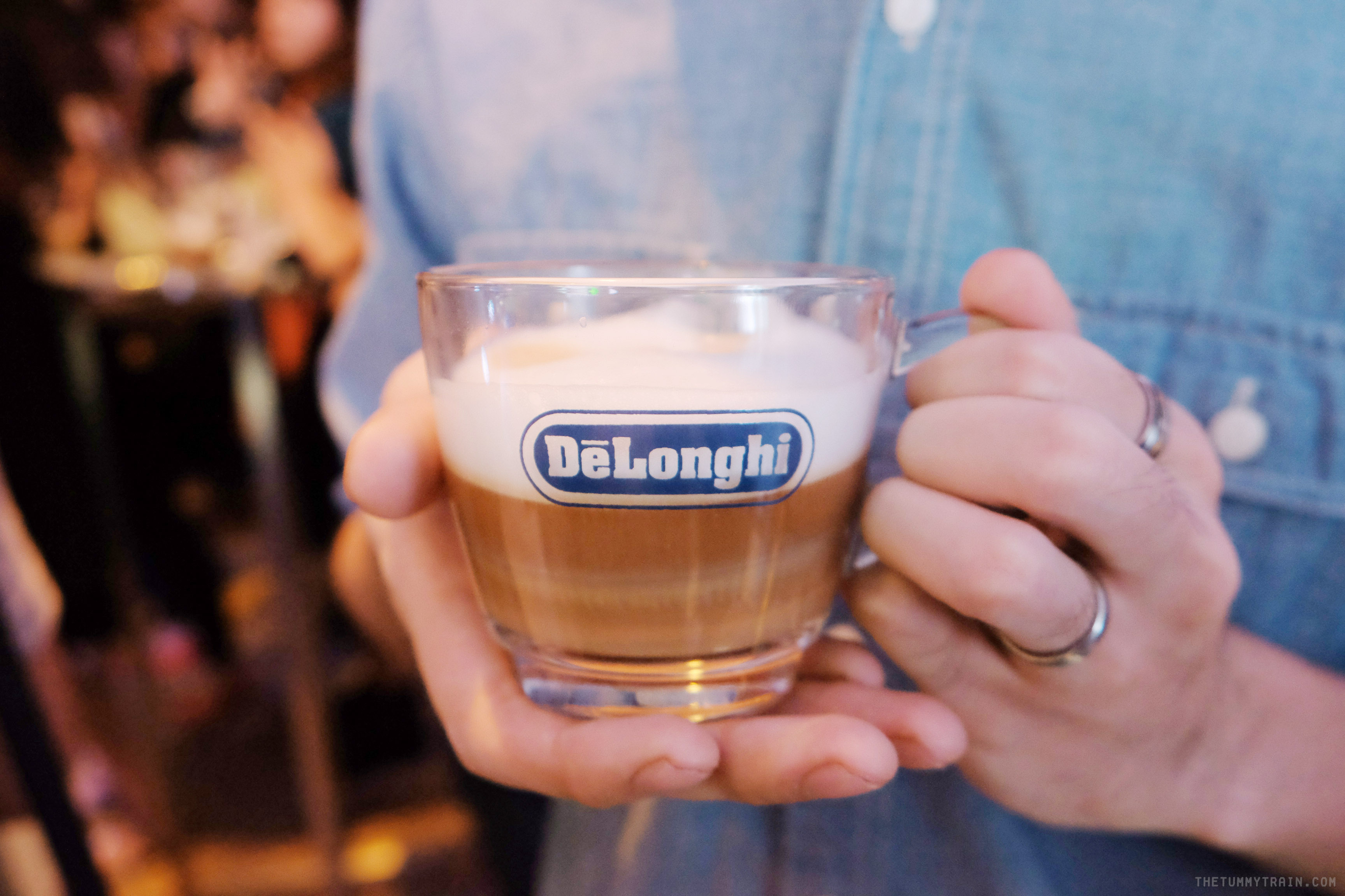 DeLonghi - DeLonghi PrimaDonna Elite puts coffee making at the palm of your hand