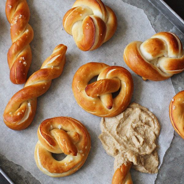 Soft Pretzels - Pretzels with Mustard Dip attempted out of curiosity + a tutorial on how to shape pretzels