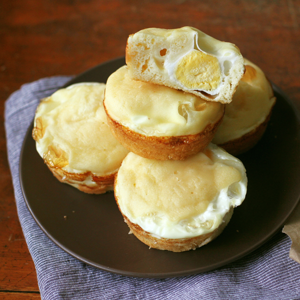 Korean Egg Bread - I wish my mornings were always filled with Korean Egg Bread