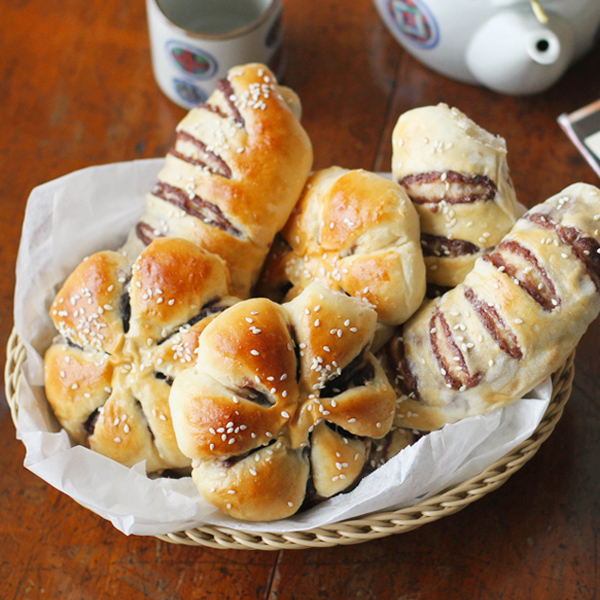 Red Bean Tangzhong Bread - The surprising charms of Asian Red Bean Bread