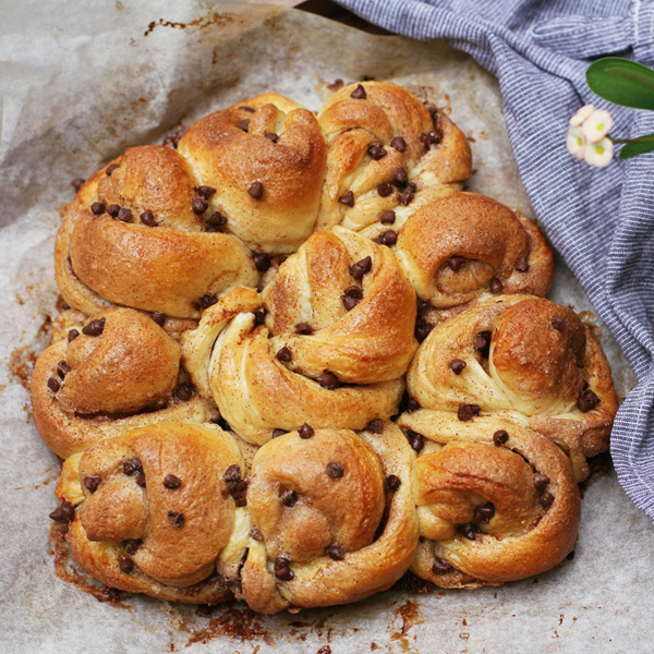 Spring Blossom Pull Apart Bread B - Lovely Easter Blossom Pull-Apart Bread to put you in the mood for spring